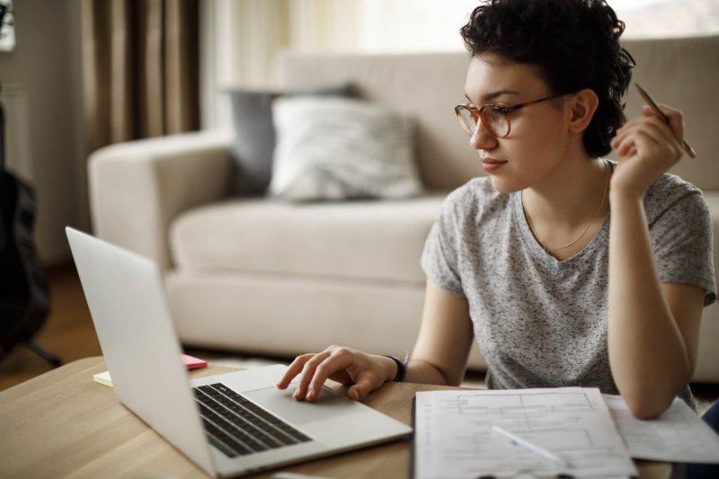 المعهد البريطاني يتيح جزء كبير من الماتريال لتعلم اللغه الانجليزية علي موقعه مجانا - STJEGYPT
