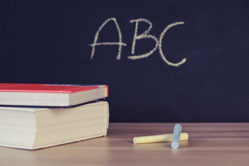 افضل كورس انجليزي مجانا ,,,استماع و قراءة و محادثة و كتابة - STJEGYPT