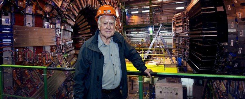 الفيزيائي العبقري بيتر هيجز - STJEGYPT
