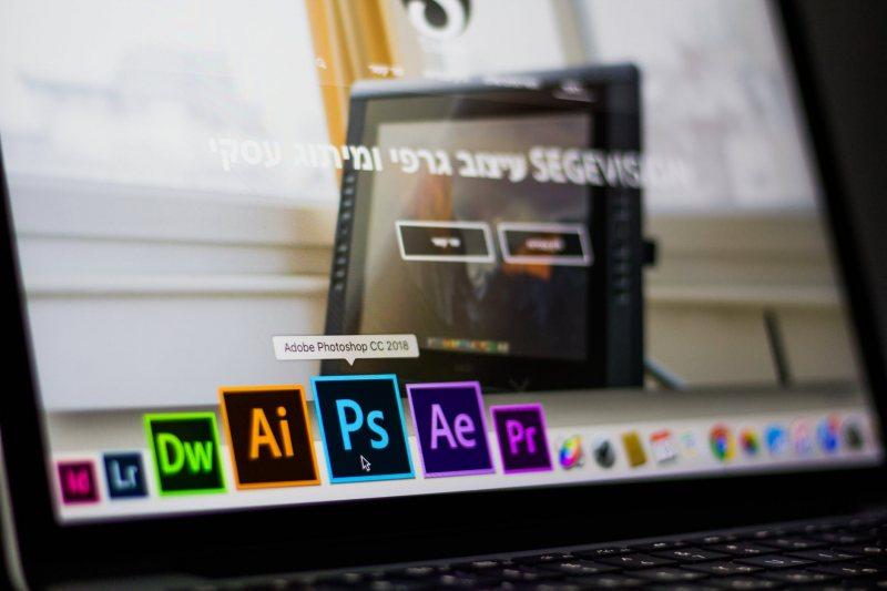 Photoshop اكتر من 30 كورس مجانى لتعلم - STJEGYPT
