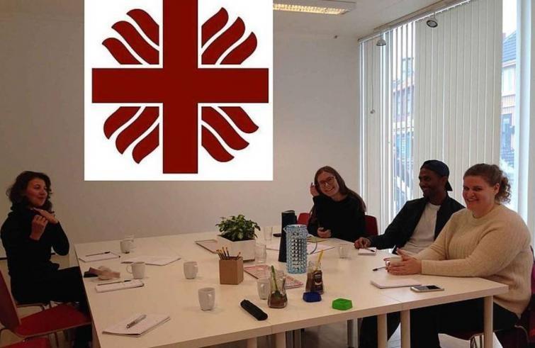 برنامج تطوعي لمدة 11 شهر في مركز كاريتس لدعم اللجوء للنساء والاطفال - STJEGYPT
